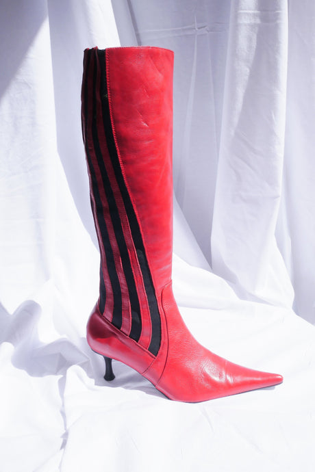 Sporty red boots