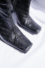 Load image into Gallery viewer, Vintage cowboy leather boots