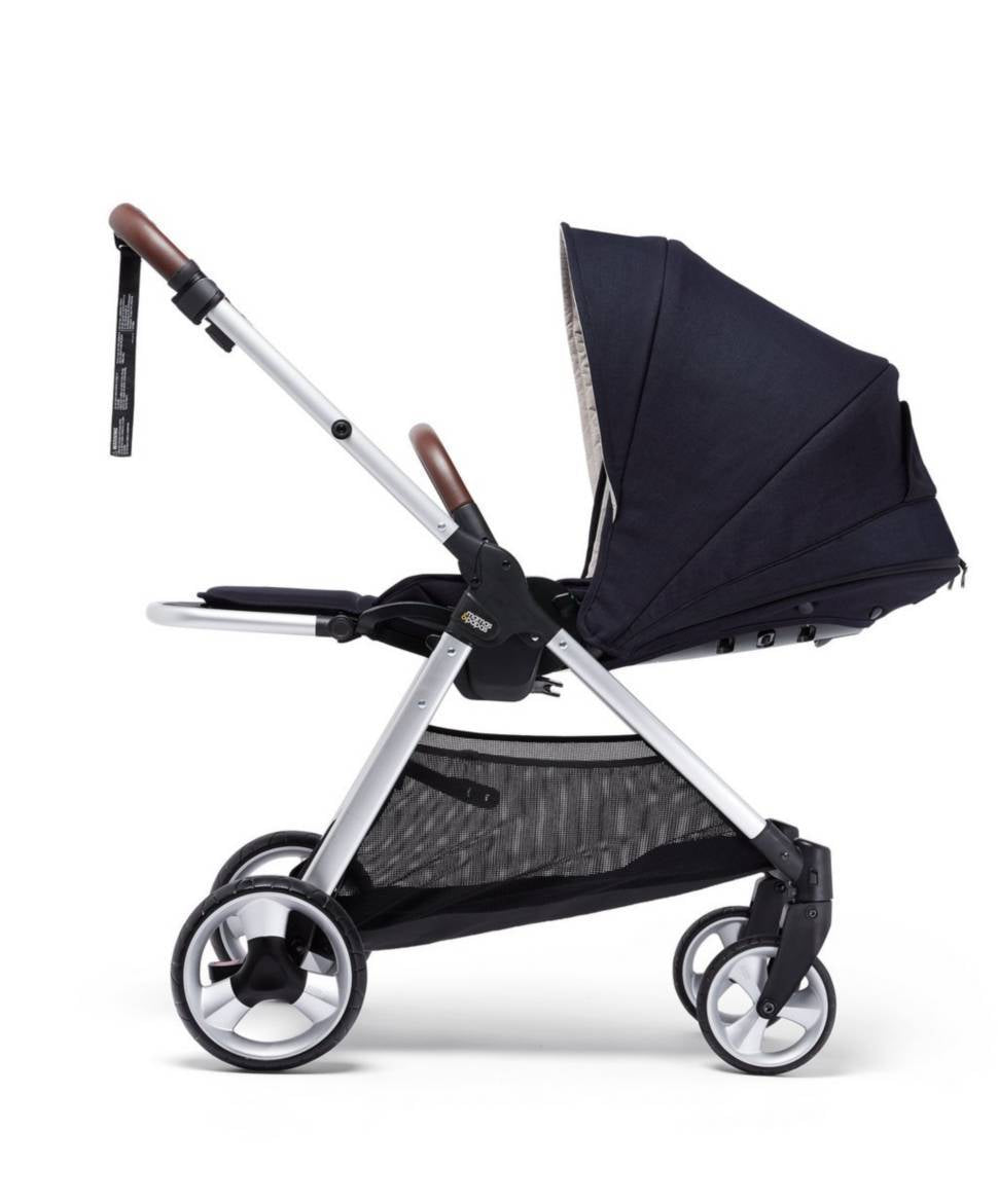 Mamas & Papas 2018 Armadillo Flip XT2 Stroller in Dark Navy