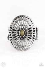 Load image into Gallery viewer, Grate Expectations - Paparazzi Green Ring - Be Adored Jewelry