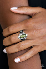 Load image into Gallery viewer, Paparazzi ZOO Hot To Handle - Green Ring - Be Adored Jewelry