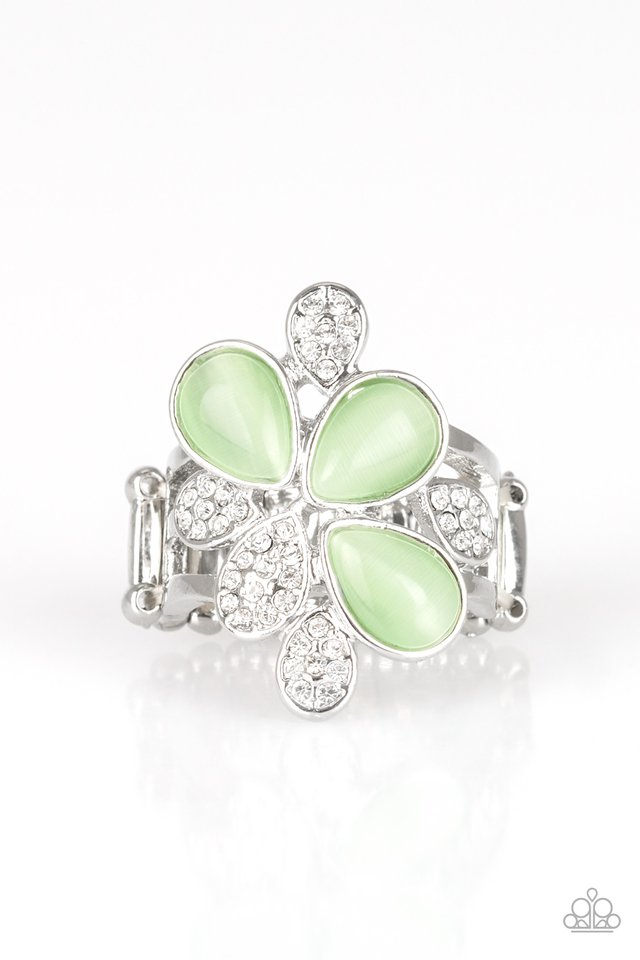 Paparazzi Diamond Daises - Green Ring - Be Adored Jewelry