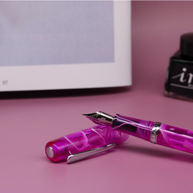 Narwhal Original Fountain Pen - Hippocampus Purple