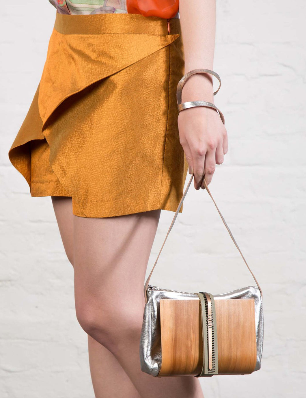 Wooden Shoulder-Bag in Silver