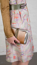 Laden Sie das Bild in den Galerie-Viewer, Wooden Shoulder-Bag in Silver