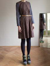 Laden Sie das Bild in den Galerie-Viewer, Cotton dress with brown print