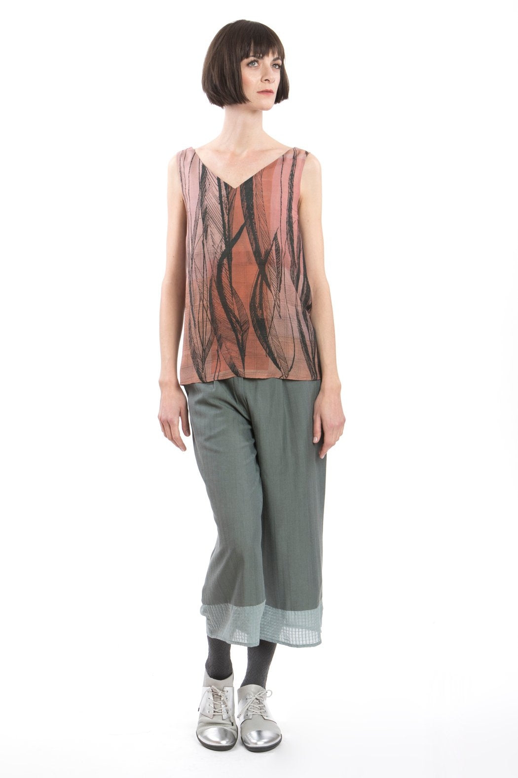 Top V-neck Top Feather Print