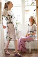 Laden Sie das Bild in den Galerie-Viewer, Grey Wrap Dress