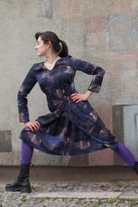 adjustable dress in dark colors by clara kaesdorf