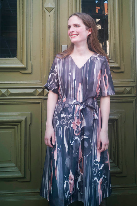 grey brown printed Midi dress made from organic cotton in Berlin by CLARA KAESDORF