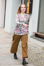 Laden Sie das Bild in den Galerie-Viewer, Loose Blouse in Light Colors