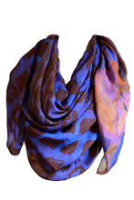 Laden Sie das Bild in den Galerie-Viewer, Floral Silk Scarf Orange Blue