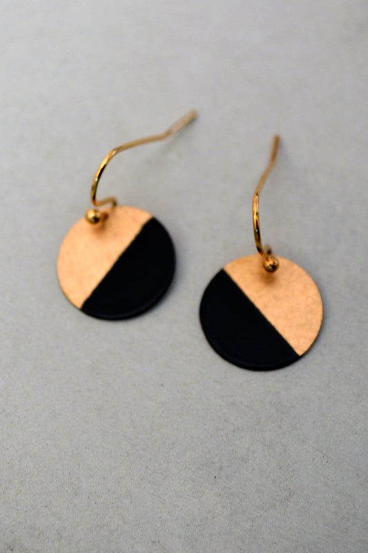 Minimalistic Circle Earrings