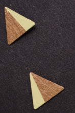 Laden Sie das Bild in den Galerie-Viewer, Triangle Earrings Studs