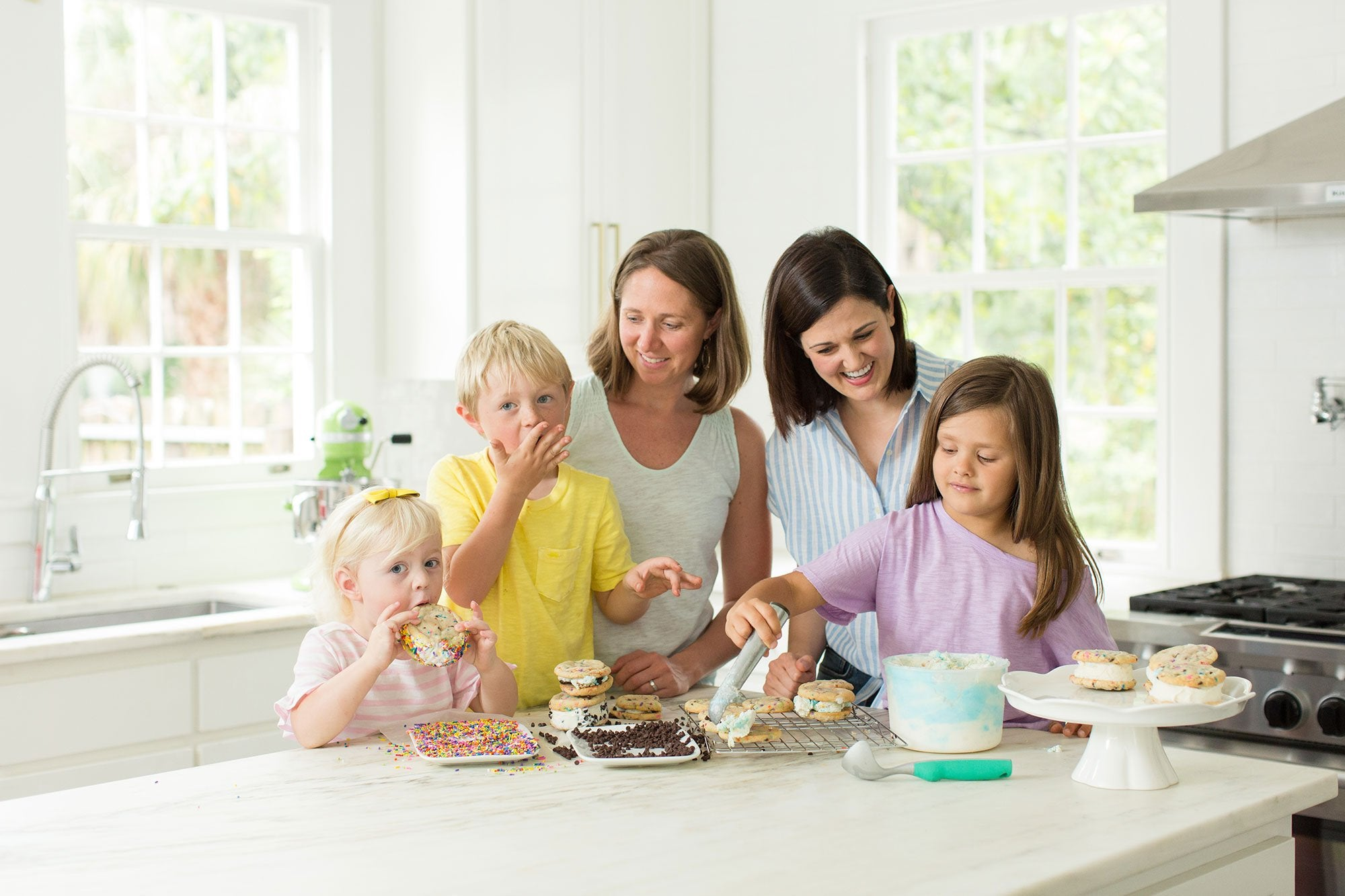 Picture of Moms and kids with cookies