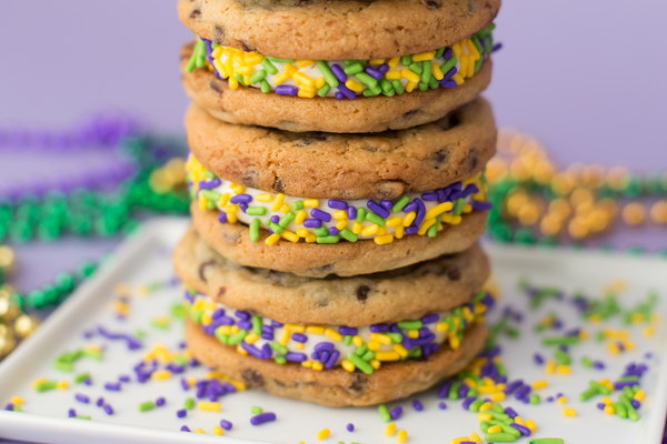 Mardi Gras Chocolate Chip Buttercream Sammies (6 Ct)