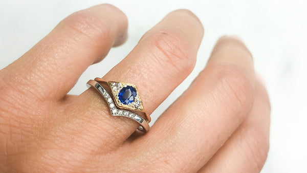 How to find a wedding band to match your vintage engagement ring. The Vintage Ring Co