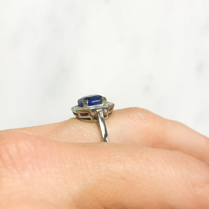Daisy sapphire and diamond Art Deco engagement ring