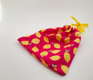 drawstring bag in pink with lemon print