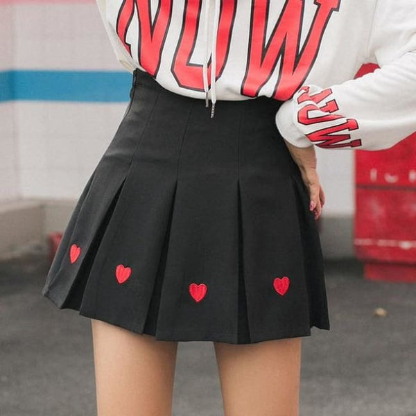 Queen Of Hearts High Waist Pleated Mini Skirt - Black / S - Skirt