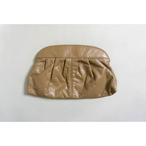 VINTAGE PLEATED LEATHER CLUTCH | BROWN