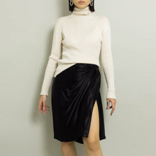 Load image into Gallery viewer, 1990's SILK TURTLENECK | IVORY | S