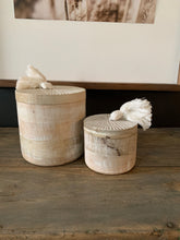 Load image into Gallery viewer, Whitewashed Round Wood Box Set W/Tassels