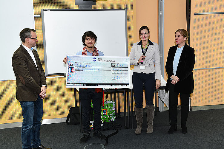 Khoti won a 1000 euro prize from German University SRH Heidelberg!