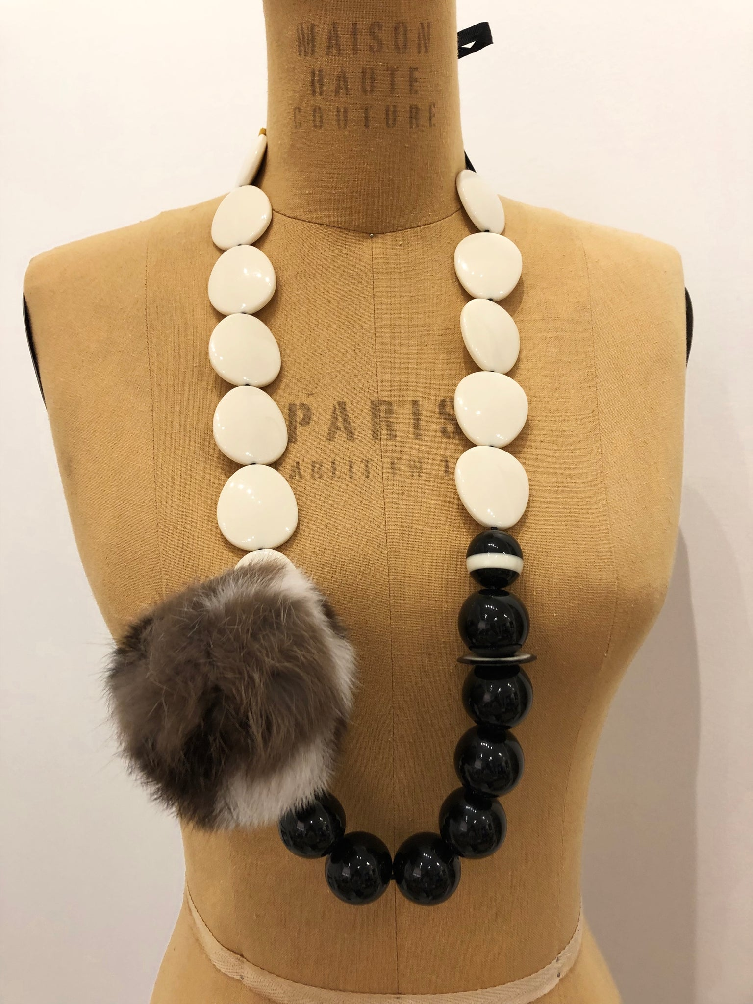 BLACK & WHITE NECKLACE w POM POM