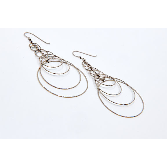 Encircled Layered Dangles
