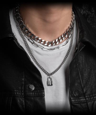 How to layer necklaces Simple hacks for styling necklaces_02
