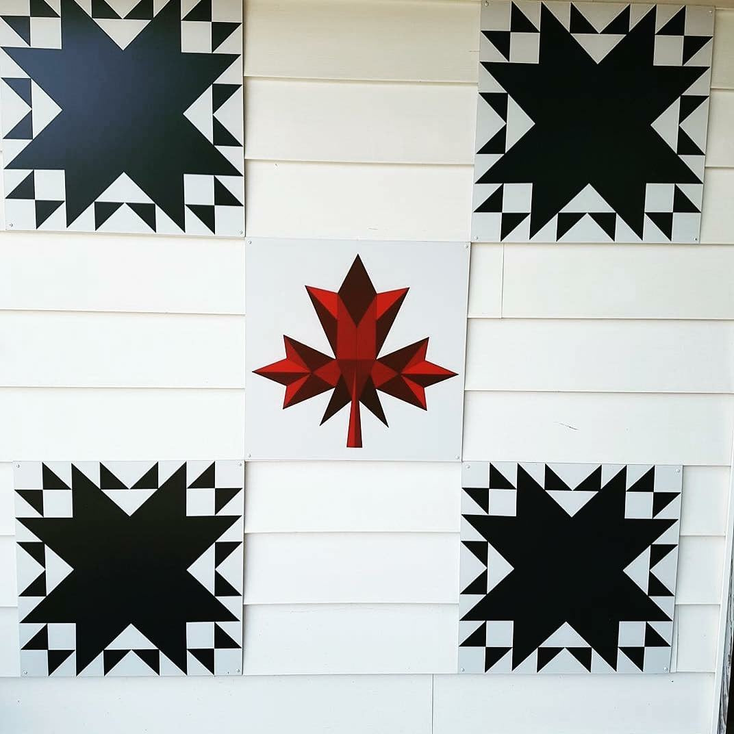 Navy Splendour Backyard Barn Quilt - Quilt Designs in the Yard