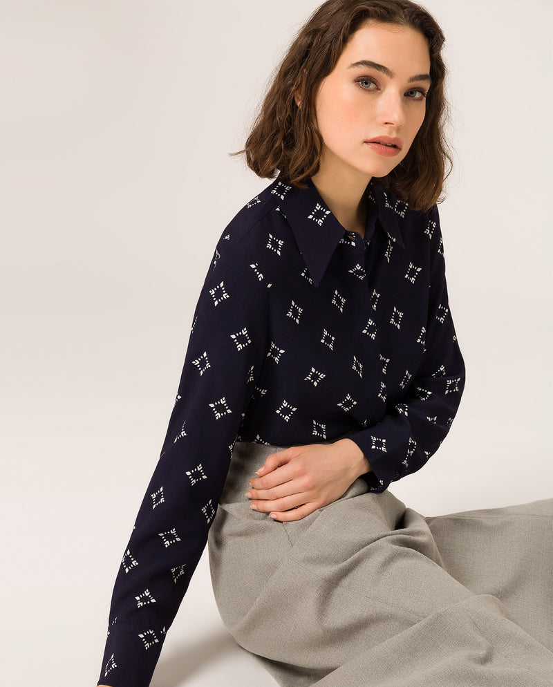 Pointed Collar Blouse Navy Blue