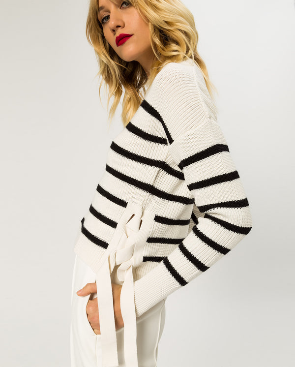 Cropped Jumper Lace Up
