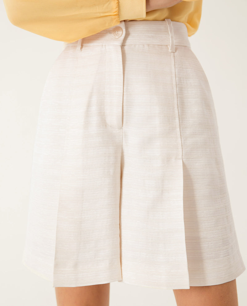 Pleated Shorts Ivory
