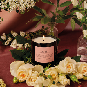 Petal Scented Candle | scented candle with the night-blooming tuberose, purple geranium, gloden amber and exotic musk | Boy Smells | 5060541100077