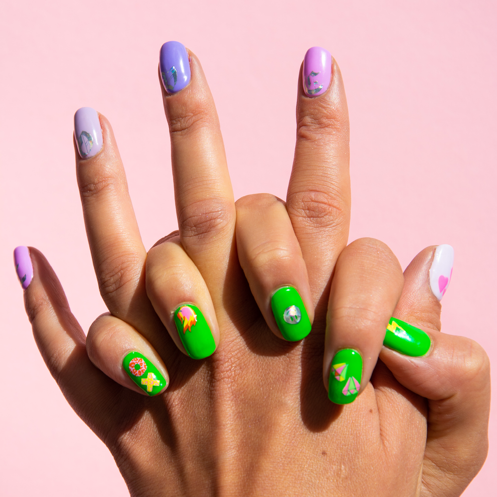 Coucou Nail Art: The LAKWERK Sheet | Easy nail art stickers to create your own nail art with letters and emojis | The Coucou Club | 8719326353456