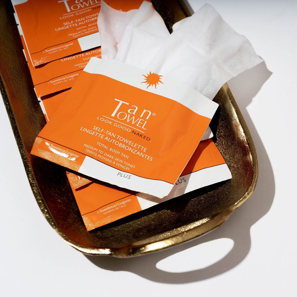 Self-Tan Towelettes Plus | A natural looking self tan for bronzed skin without harming the sun  | Tan Towel | 659711135633
