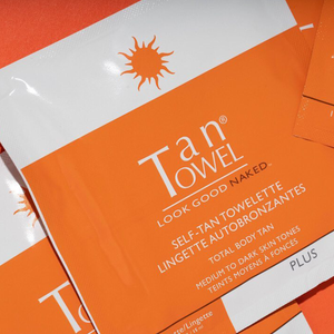 Self-Tan Towelettes Plus | A natural looking self tan for bronzed skin without harming the sun  | Tan Towel |