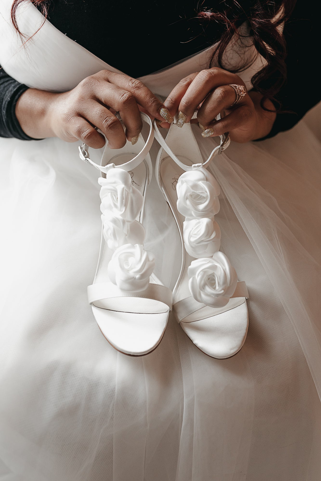 White Silk Satin High Heel Sandals Wedding Shoes for Brides with Removable flower details