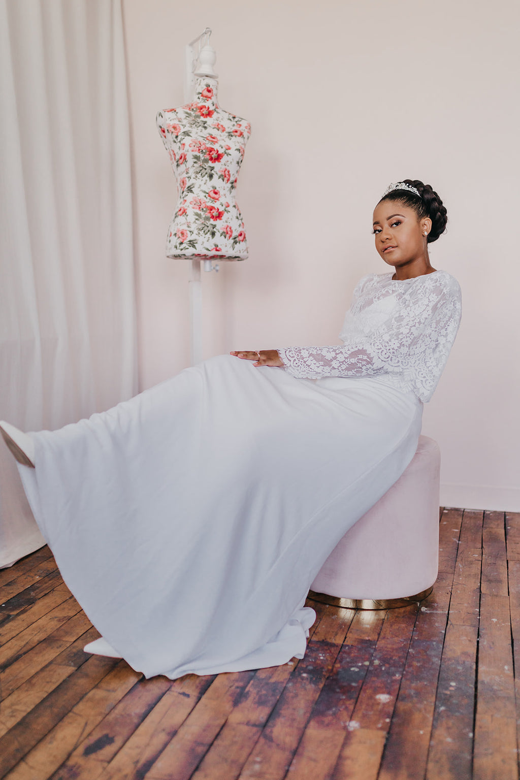 Bias bridal skirt with button closure