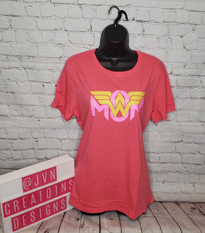 WONDER WOMAN MOM XL WOMEN'S SHIRT