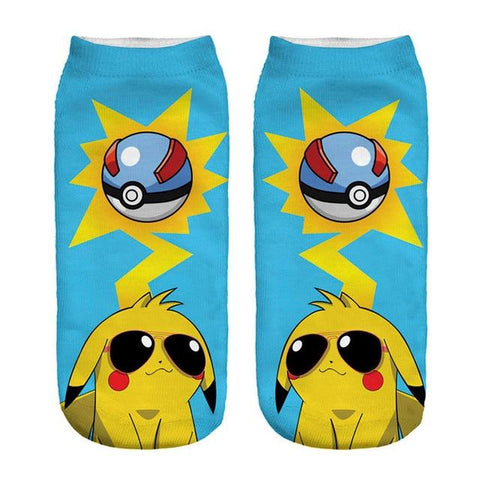 Photo des chaussettes Pokémon de Pikachu superball