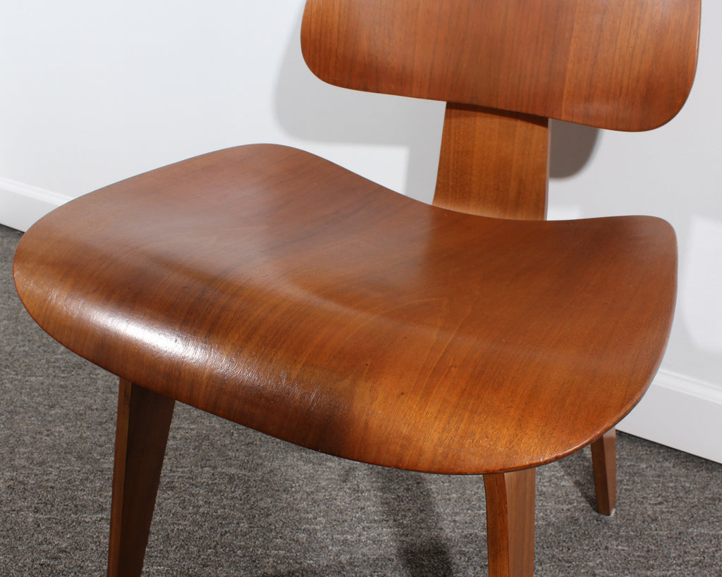 Eames DCW Side Chair