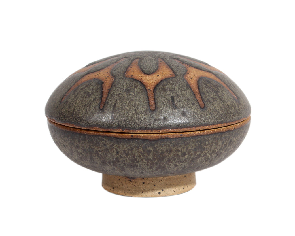 Richard Tuck Studio Pottery Round Small Box