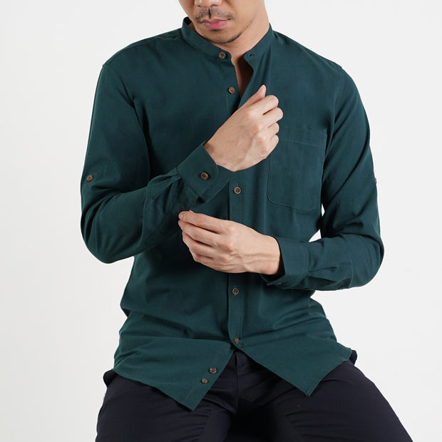 The Mandarin Slim Fit Shirt in Hunter Green