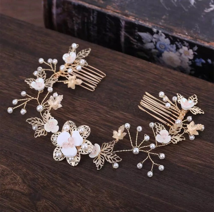 Gold crystal and faux pearl flower vine comb