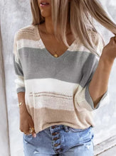 Load image into Gallery viewer, Gray knit Sweater