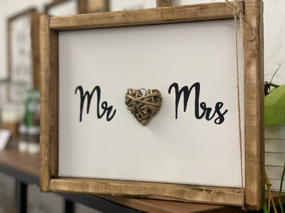 141 ($25) Sign - Mr & Mrs with Heart