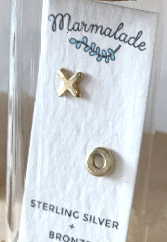071 ($35) XO - Bronze Sculpted Studs